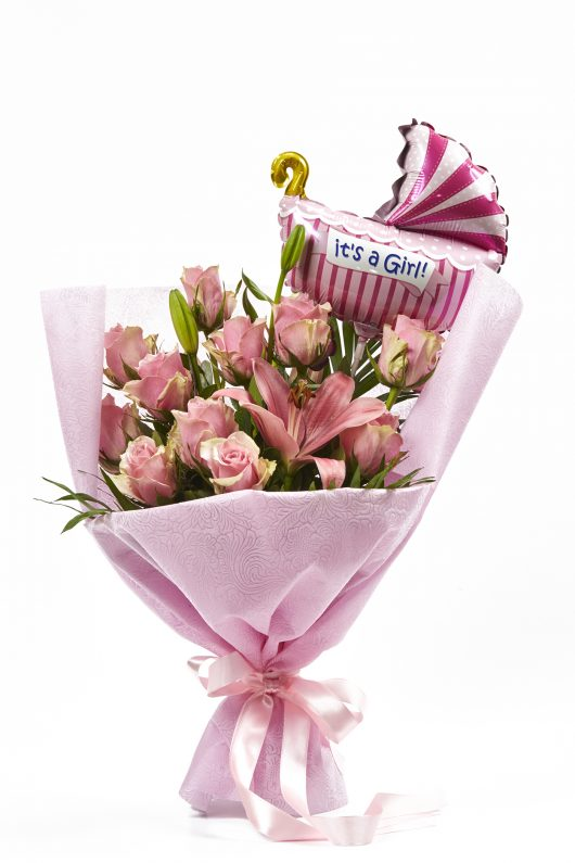 Μπουκέτο Λουλουδιών με Ροζ Τριαντάφυλλα